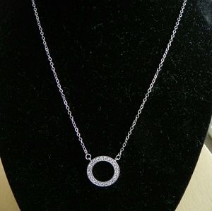 Jewelry - Circle Pendant Zircon Necklace
